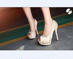 nice heels! Bad pose
