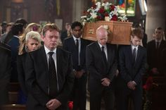 http://i1.mirror.co.uk/incoming/article3570217.ece/ALTERNATES/s615/A-grief-stricken-Ian-at-Lucys-funeral-in-Eastenders.jpg