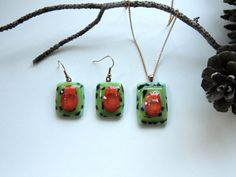 fused glass necklace and earringsglass by Homeforglasslovers, $42.00