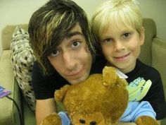 allforatl:  Few things in life will ever be as cute as this precious picture right here.