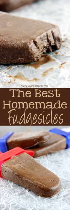 Chocolate fudgey goodness in the form of our summer favorite, popsicles! The Best Homemade Fudgesicles are made with 5 ingredients, and you will want to always have them in the freezer! Frozen Desserts, Frozen Treats, Easy Desserts, Dessert Recipes, Summer Desserts, Summer Recipes, Peach Popsicles, Yogurt Popsicles, Alcoholic Popsicles