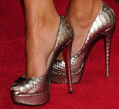 all of my favs: snakeskin, shiny, shoes!
