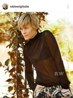 Robin Wright Haircut, Hair Dos, My Hair, Short Hair Cuts, Short Hair Styles, Cool Blonde Hair, Celebrity Singers, Long Pixie, Hair Affair