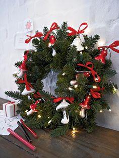 Weihnachtsdeko-Kranz bunt