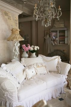 Romantic Sofa in a Shabby Maison!  http://www.facebook.com/Shab.ShabbyChic  Shab | The Best Things in Life Aren't Things  www.shab.it