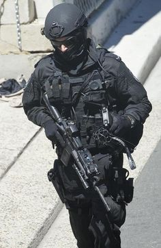 View topic - Various Special Police Forces around the world.