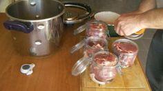 Comment préparer une recette de viande de porc dans des bocaux stérilisés. Recette ultra simple, au final on a un un rôti de porc froid qui se conserve plusieurs mois sans problème.
