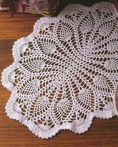 Ultimate Book of Pineapple Crochet Patterns Doily Tablecloth Shawls Afghan Round Crochet Table Topper, Crochet Table Runner Pattern, Free Crochet Doily Patterns, Crochet Tablecloth, Crochet Diagram, Filet Crochet, Crochet Motif, Crochet Designs, Free Pattern