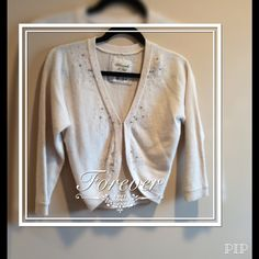 HP Downtown Chic AF Cardigan PRICE FIRM Beautiful pale yellow, hardly used, in excellent condition Abercrombie & Fitch Sweaters Cardigans