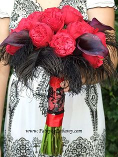 bukiet ślubny, róża angielska, pióra, wedding bouquet, english roses 4th Of July Wreath, Wreaths, Halloween, Decor, Door Wreaths, Decorating, Deco Mesh Wreaths, Dekoration, Halloween Stuff