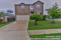 SOUTHWEST I.S.D. Great 4 Bedroom 2.5 Bath + Loft & Study 3014sqft - 2 story home in the Hallie Heights subdivision. Home features open floor plan, wood laminate floors in living room & formal dinning room. Tile in kitchen & breakfast area. #SanAntonioRealEstate #MarinRealty #SanAntonioHomes MLS#1115583, 4 beds, 3 baths