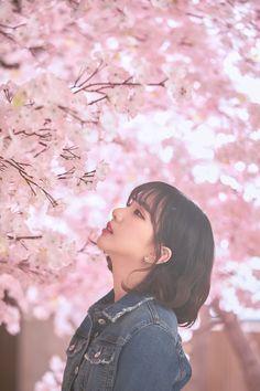 Gfriend-Eunha ( i loved her and ravi together the song slapped) Gfriend Album, Sinb Gfriend, Kpop Girl Groups, Korean Girl Groups, Kpop Girls, Extended Play, K Pop, Jung Eun Bi, Cloud Dancer