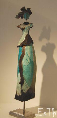 Estelle Thareau, Iphigenie - raku Love this Raku Pottery, Pottery Sculpture, Sculpture Clay, Pottery Art, Ceramic Figures, Clay Figures, Ceramic Art, Pottery Angels, Sculptures Céramiques
