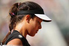 Safarova comeback thwarts Ana