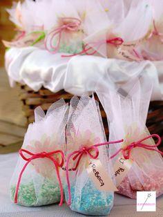 arroz de colores (bodas) Ideas Para Fiestas, Diy Wedding, Wedding Ideas, Diy And Crafts, Marriage, Gift Wrapping, Ariel, Weddings, Packaging