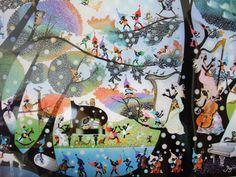 おなじみの小人たちが登場する幻想的な風景を描いた作品。 虹色の木々の中、ハープやピアノを奏でる女性が魅力的。