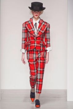 Vivienne Westwood Red Label Fall 2014: http://lcknyc.com/Ma6mK3