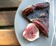 Fügés-szilvás csokitorta SN Eggplant, Vegetables, Food, Veggies, Eggplants, Vegetable Recipes, Meals, Yemek, Eten