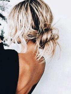 hair styles medium length hair hair short updos in wedding hair hair styles for shoulder length hair hair styles medium length hair hair with flower hair styles long hair down hair long Messy Hairstyles, Pretty Hairstyles, Hair Inspo, Hair Inspiration, Pinterest Hair, Hair Day, Gorgeous Hair, Hair Looks, Beauty Hacks