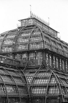 Roof showing off all the iron and glass work of the Crystal Palace, Industrial Revolution, Built for The great exhibition 1851 in Hyde Park, London. Crystal Palace, Gothic Architecture, Architecture Details, Beautiful Buildings, Beautiful Places, Large Greenhouse, Greenhouse Ideas, Wooden Greenhouses, Victorian Greenhouses
