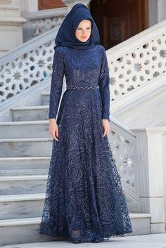 Dress wedding pakistani New Ideas Dress Brokat Muslim, Muslim Gown, Dress Brokat Modern, Dress Brukat, Hijab Dress Party, Hijab Wedding Dresses, Dress Wedding, Casual Dress Outfits, Trendy Dresses