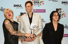 MTV+Europe+Music+Awards+2009+Backstage+Boards+7lcXMHZf1XUx.jpg (1024×667)