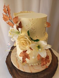 The Sugarsmith A reduced guestlist, shouldn't influence the choice of your dream wedding cake. You can still have a stylish cake to complete your perfect day. Contact The Sugarsmith to place your order: 072 214 4026 or thesugarsmith2020@gmail.com #weddingcake #weddings #weddinginspo #wedding #cake #koek #troukoek #koekinspirasie #weddingcake #wedding #birthdaycake #cake #weddingday #weddingdress #cakedecorating #cakes #love #bride #cakedesign #cupcakes #instacake