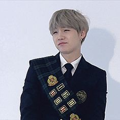 OMG SUGA IS THE CUTEST THING ON PLANET EARTH I CANT DUDE IDEK I JUST CANT OH MY GOSH IM DYING
