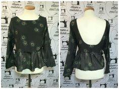 La segunda blusa con espalda escotada de Laura, encima con un estampado precioso y muy original no creéis? #blusaescarabajos