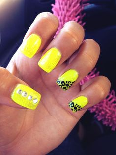 neon nail polish with bright yellow and cheetah or leopard design is so cute for summer time too :) Neon Nail Polish, Neon Nails, Blue Nails, Hair And Nails, My Nails, Yellow Nails Design, Leopard Nails, Cheetah, Gel Nails At Home