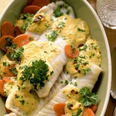 Dinner Recipes Roasted salmon on mustard carrots – smarter – Calories: 330 Kcal – Time: 30 minutes … Dutch Recipes, Fish Recipes, Low Carb Recipes, Cooking Recipes, Healthy Recipes, Shrimp Recipes, Sauce Recipes, Oven Dishes, Fish Dishes