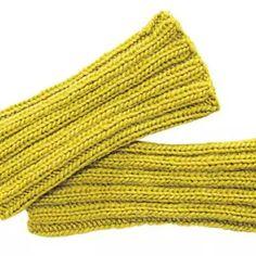 Crochet Patterns Arm Knitting pattern: Knit simple cuffs in the waistband pattern – BRIGITTE Baby Knitting Patterns, Shrug Knitting Pattern, Arm Knitting, Knitting Stitches, Knitting Socks, Knitting Designs, Simple Knitting, Easy Crochet, Knit Crochet