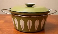 CATHRINEHOLM 2 QT COVERED CASSEROLE - AVOCADO GREEN LOTUS NORWAY
