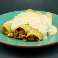 {chicken enchiladas with chipotle cream sauce} recipe calls to roast chicken breast for the filling. using a store-bought rotesserie chicken would make this a quick(er) dinner! Sour Cream Sauce, Cream Sauce Recipes, Easy Dinner Recipes, Great Recipes, Dinner Ideas, I Love Food, Good Food, My Favorite Food, Favorite Recipes