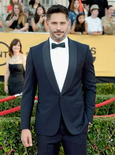 2015 SAG Awards Joe Manganiello  looked just as handsome in his Ermenegildo Zegna Made-to-Measure navy shawl-collar tuxedo.