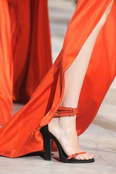 Fashion Style Buzz: Up Close @ Haider Ackermann Spring Summer 2011