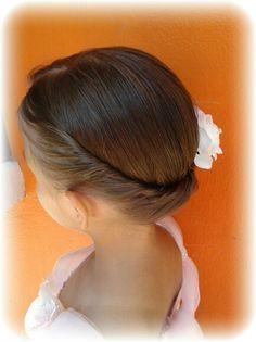 Peinado recogido para niña