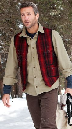 Railroad vest in 1800's style! Combined with chamois shirt and the right gear for the perfect hunting outfit. #woolrich1830