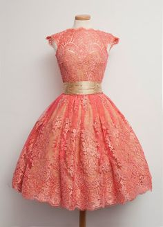 So pretty a coral pink dress! <3 VowsLove - Google+