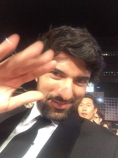 Best actor prize winner greetings from Seoul (Engin Akyurek) Best Actor, Looking Gorgeous, Seoul, Beauty Hacks, Beauty Tips, Cool Photos, Handsome, Twitter, Actor