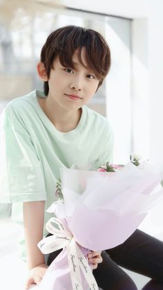 Image may contain: 1 person Cute Boys, My Boys, Asian Boy Band, Things To Do With Boys, Twitter Header Aesthetic, Pre Debut, Ulzzang Kids, Chinese Boy, Korean Music