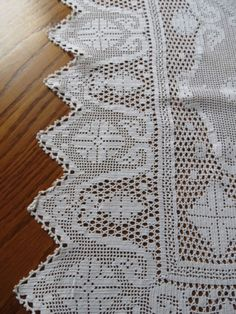 Crochet Borders, Filet Crochet, Crochet Tablecloth Pattern, Doilies, Lace Trim, Rugs, Home Decor, Tablecloths, Crochet Shorts