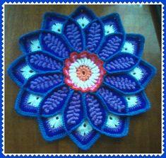 ПОДСТАВКА ПОД ГОРЯЧЕЕ Crochet Squares, Crochet Doilies, Crochet Flowers, Crochet Top, Laddu Gopal, Lace Knitting Patterns, Crochet Cushions, Shell Crafts, Mandala