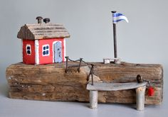 Christine Grandt - Treibholzkunst: Maritime Geschenke, Design, Holz Skulptur Haus Skandinavien Treibholz Kunst Art Assemblage Miniatur Driftwood Crafts, Wooden Crafts, Seaside Style, Owl House, Miniature Houses, Model Homes, Little Houses, Wood Projects, Arts And Crafts