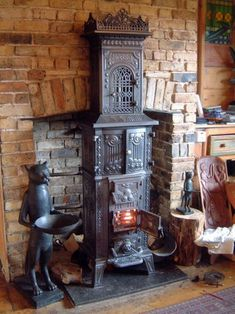 A very fine Morso, they don't make 'em like this anymore. A very fine Morso, they don't make 'em like this anymore. Morso Wood Stove, Morso Stoves, Antique Wood Stove, How To Antique Wood, Foyers, Wood Burning Furnace, Outdoor Wood Furnace, Wood Burner Fireplace, Wood Stove Cooking