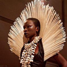 Veja os estilos: A moda africana esta pelo mundo! Oumou Sy