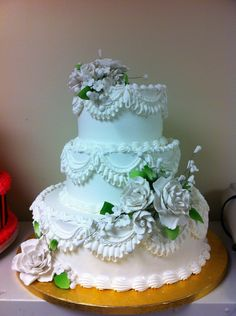 Super easy wedding cake, all butter cream decorations and purchased gum past flower.Old School Easy! Cupcake Cakes, Cupcakes, 3 Tier Wedding Cakes, School Cake, Gum Paste Flowers, Beautiful Wedding Cakes, Cake Art, Cake Decorating, Food Porn