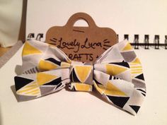 Handmade Cat Collar with detachable bow: by LovelyLunaCrafts