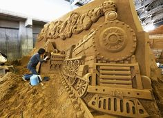 Artists finish sand sculptures for the annual sand sculpture exhibition in Tottori, Japan. Ice Art, Snow Sculptures, Snow Art, Snow And Ice, Beach Art, Wood Sculpture, Street Art, The Incredibles, Statue