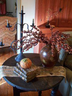A simple fall vignette. Fall Home Decor, Autumn Home, Cheap Home Decor, Prim Decor, Country Decor, Primitive Decor, Primitive Homes, Country Life, Primitive Autumn